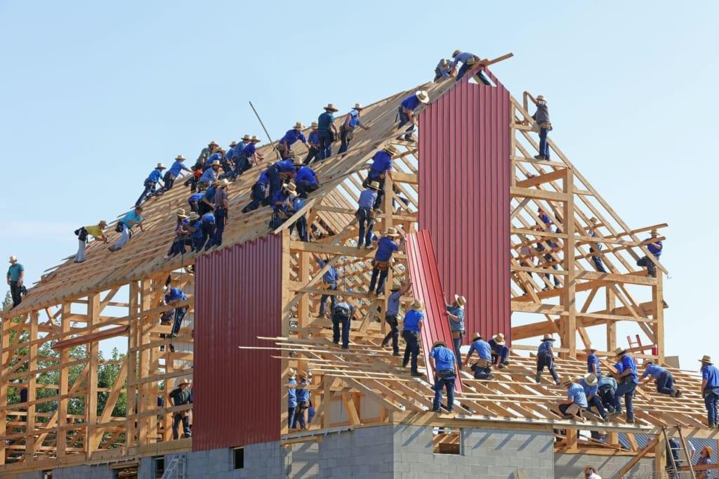 家を構築していく人たち